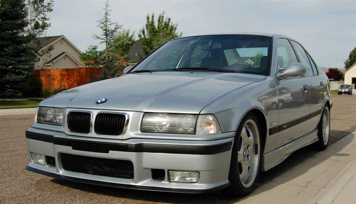 BMW e30 седан и купе