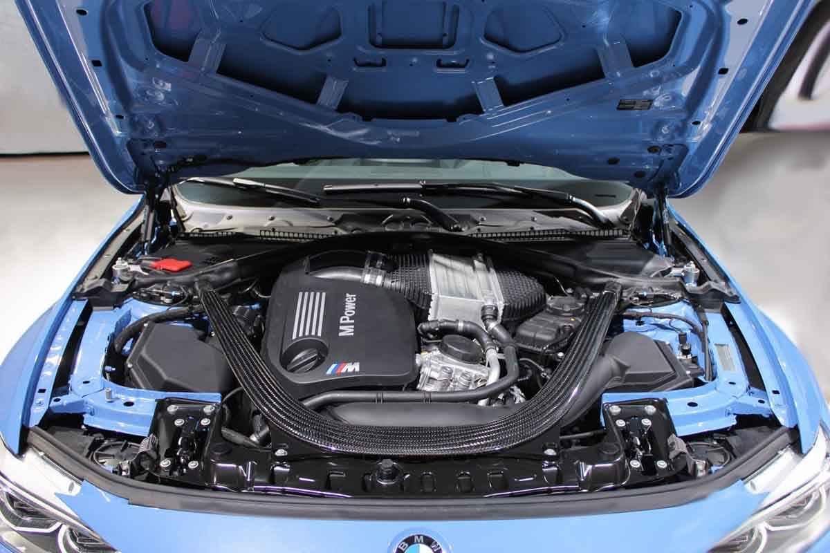 как выглядит двигатель bmw m3