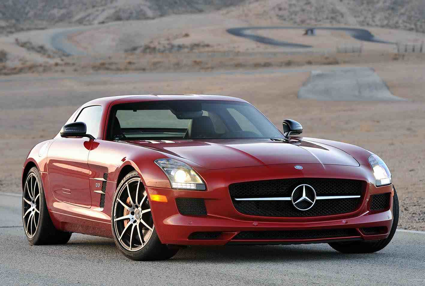 фото Mercedes-Benz SLS AMG E-Cell