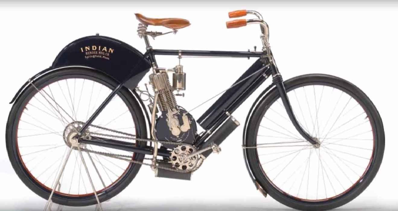 фото первого мотоцикла Indian 1901 г.